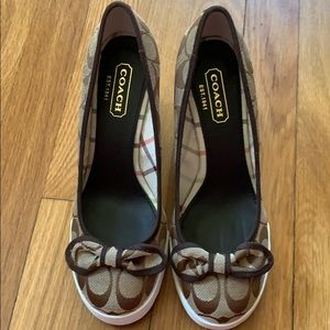 Coach Sweetie closed toe wedges very gently used